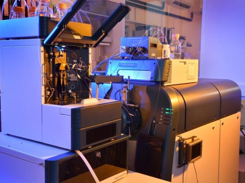 mass-spec-machine